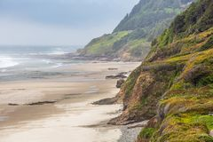Oregon Pacific Northwest Cliffs overlooking a beachcombers dreal royalty free stock image