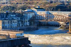 Oregon stadssikter av kraftverket fördärvar Royaltyfria Foton