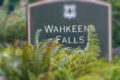 OREGON USA - AUGUSTI 19, 2017: Wahkeena nedgångingång De är Arkivbilder