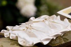 Oreiller d'anneau de mariage Photographie stock libre de droits