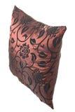 oreiller en soie Vin-rouge avec les ornements noirs Photo libre de droits