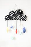 oreiller fait main sous forme de nuages de pluie Images stock