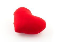 Oreiller rouge de coeur sur le fond blanc Image stock