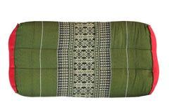 Oreiller thaïlandais de style thaïlandais d'oreiller de rectangle vieil d'isolement sur le fond blanc photos stock
