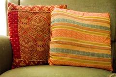 Oreillers sur le sofa Photo libre de droits