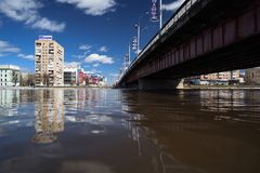 Orel, Rosja, Kwiecień 07, 2018: Powódź w miasteczku Wysoka woda Obraz Royalty Free