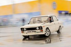 Orel, Rosja, Lipiec 22, 2017: Dynamica samochodu festiwal Biel nastrajający Obrazy Stock