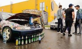 Orel, Rosja, Lipiec 22, 2017: Dynamica samochodu festiwal Samochód z ope Zdjęcie Stock
