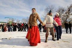 Orel, Russia - 26 febbraio 2017: Ragazza del fest di Maslenitsa in Russi Immagini Stock