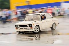 Orel, Russia, il 22 luglio 2017: Festival dell'automobile di Dynamica Bianco sintonizzato Fotografia Stock
