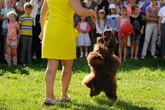 Orel, Russland, am 1. August 2015: Mumu-Fest, Turgenevs Geschichtenkunst-f Stockfotos