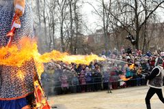 Orel, Russland - 26. Februar 2017: Maslenitsa-Fest Menge von peop Lizenzfreies Stockbild