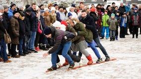 Orel, Russland, am 18. Februar 2018: Maslenitsa-Karneval Leutewinkel des leistungshebels Stockfotografie