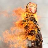 Orel Ryssland - Februari 26, 2017: Maslenitsa fest som bränner Masle Arkivfoto