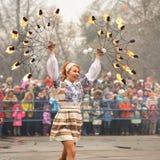 Orel Ryssland - mars 13, 2016: Maslenitsa pannkakafestival gran Royaltyfri Foto