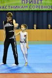 Orenbourg, Russie, année des 26-27 mai 2017 : Les juniors concurrencent dans des acrobaties de sports Photographie stock libre de droits