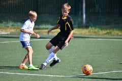 Orenbourg, Russie - 18 août 2017 année : le football de jeu de garçons Photos libres de droits