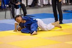 Orenbourg, Russie - 16 avril 2016 : Concours de la jeunesse dans le judo Photos libres de droits