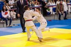 Orenbourg, Russie - 16 avril 2016 : Concours de la jeunesse dans le judo Images libres de droits