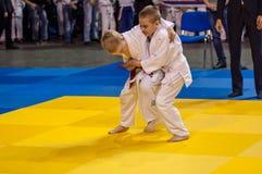 Orenbourg, Russie - 16 avril 2016 : Concours de la jeunesse dans le judo Photographie stock libre de droits