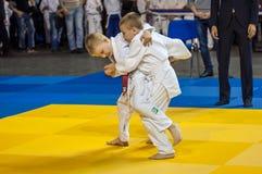 Orenbourg, Russie - 16 avril 2016 : Concours de la jeunesse dans le judo Image stock