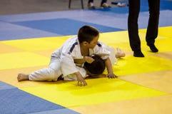 Orenbourg, Russie - 16 avril 2016 : Concours de la jeunesse dans le judo Image libre de droits