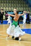 Orenbourg, Russie - 11 décembre 2016 : Danse de fille et de garçon Image stock