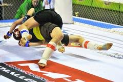 Orenbourg, Russie - 18 février 2017 année : Les combattants concurrencent en arts martiaux mélangés Photos stock