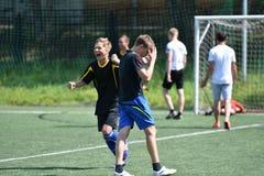Orenbourg, Russie - 28 juin 2017 année : le football de jeu de garçons Images libres de droits