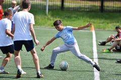 Orenbourg, Russie - 28 juin 2017 année : le football de jeu de garçons Image libre de droits
