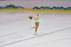 Orenbourg, Russie - 31 mars 2018 année : Les filles concurrencent dans le patinage artistique Image libre de droits