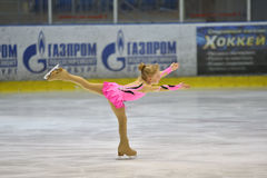 Orenbourg, Russie - 25 mars 2017 année : Les filles concurrencent dans le patinage artistique Photo libre de droits