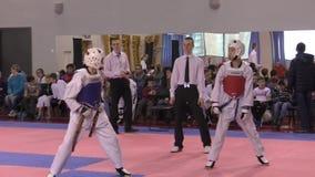 Orenbourg, Russie - 27 mars 2016 : Les garçons concurrencent dans le Taekwondo clips vidéos
