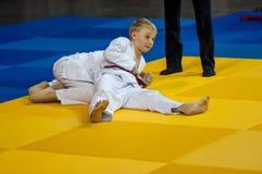 Orenburg, Rússia - 16 de abril de 2016: Competições da juventude no judô Foto de Stock Royalty Free