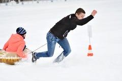 Orenburg, Rússia - 26 de janeiro de 2017 ano: Jogo dos estudantes nos jogos do inverno Imagem de Stock Royalty Free