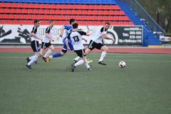 Orenburg, Rússia, o 8 de junho de 2017 ano: Futebol do jogo dos homens Foto de Stock