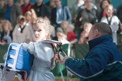 Orenburg, Rússia - 23 04 2016: Taekwondo compete meninas Foto de Stock