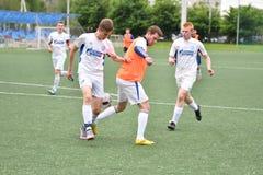 Orenburg, Rosja ï ¿ ½ 6 Czerwa 2017 rok: Chłopiec sztuki futbol Obrazy Stock