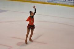 Orenburg, Rosja - 26 03 2016: Dziewczyny postaci łyżwiarka Zdjęcia Stock
