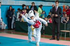 Orenburg, Rosja - 23 2016 Kwiecień: Taekwondo rywalizacje wśród chłopiec Obraz Stock