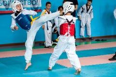 Orenburg, Rosja - 23 2016 Kwiecień: Taekwondo rywalizacje wśród chłopiec Zdjęcia Stock