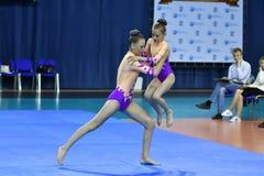 Orenburg, Rosja, 26-27 Maja 2017 rok: dziewczyna współzawodniczy w sport akrobacjach Obrazy Stock