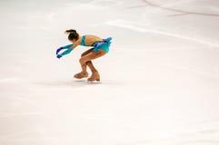 Orenburg Rosja - 26 Marzec 2016: Rywalizacj dziewczyn postaci łyżwiarka Obraz Royalty Free