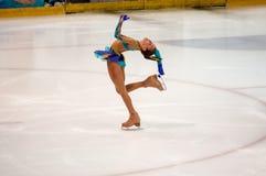 Orenburg Rosja - 26 Marzec 2016: Rywalizacj dziewczyn postaci łyżwiarka Zdjęcie Stock
