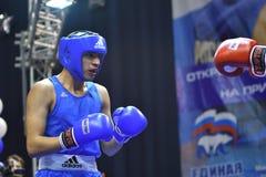 Orenburg Rosja, rok, - Stycznia 21, 2017: Chłopiec boksery współzawodniczą Obrazy Royalty Free