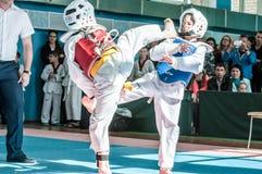 Orenburg, Rosja - 23 04 2016: Taekwondo rywalizacje wśród chłopiec Zdjęcia Royalty Free
