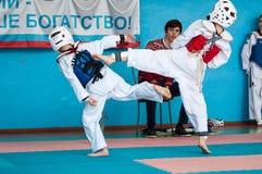 Orenburg, Rosja - 23 04 2016: Taekwondo rywalizacje wśród chłopiec Obrazy Royalty Free