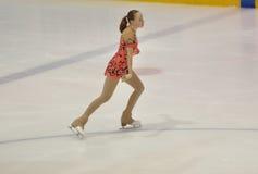 Orenburg, Rusia - 26 03 2016: Figura patinador de la muchacha Fotos de archivo