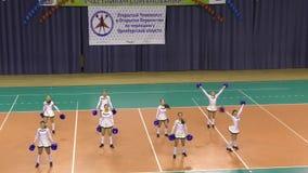 Orenburg, Rusland - April 17, het jaar van 2016: Open cheerleading Kampioenschap Orenburg oblast stock footage