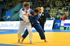 Orenburg, Rusland - 12-13 het jaar 2018 van Mei: De meisjes concurreren in Judo Stock Afbeelding
